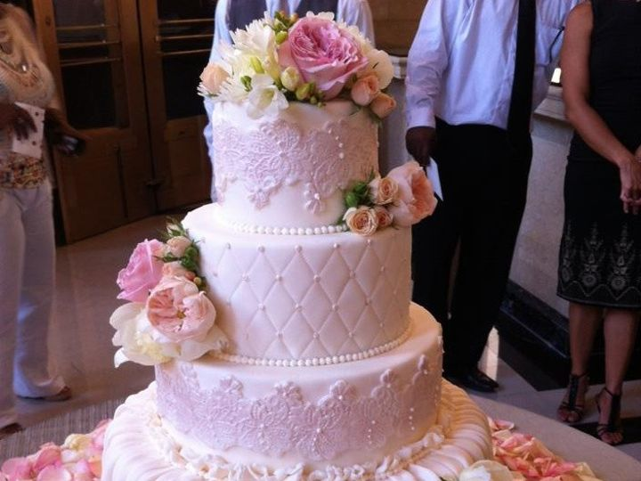 Tmx 1389819428937 9464963834313851032281394028716 Sacramento wedding cake