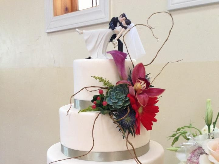 Tmx 1389819604099 424647102012063135070921219427539 Sacramento wedding cake