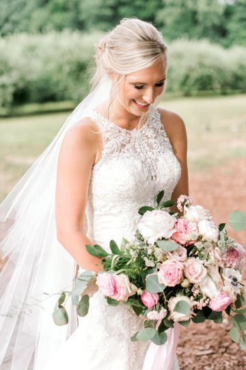 Blush wedding boouquet