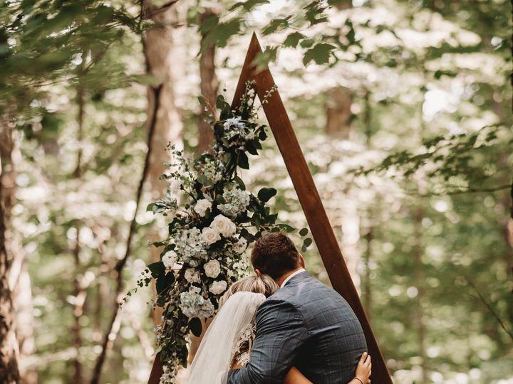 Tmx 105001412 3168711803150878 115799544725155302 O 51 23790 159588293949223 Kalamazoo, MI wedding florist