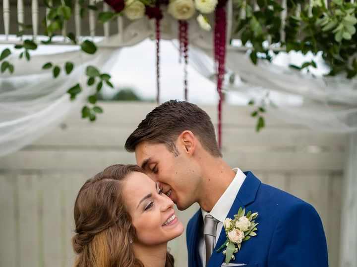 Tmx 50898532 10216774692193023 8640364044995264512 O 51 23790 161636217655190 Kalamazoo, MI wedding florist