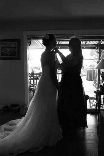 Bride getting ready in black and white