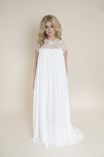 Short-sleeved dress with lace upper