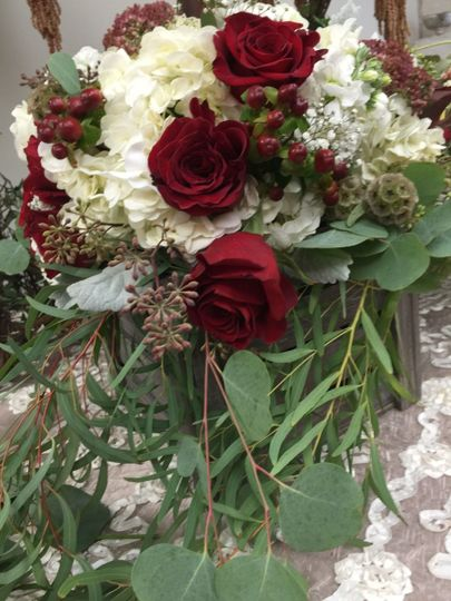 Wedding table roses