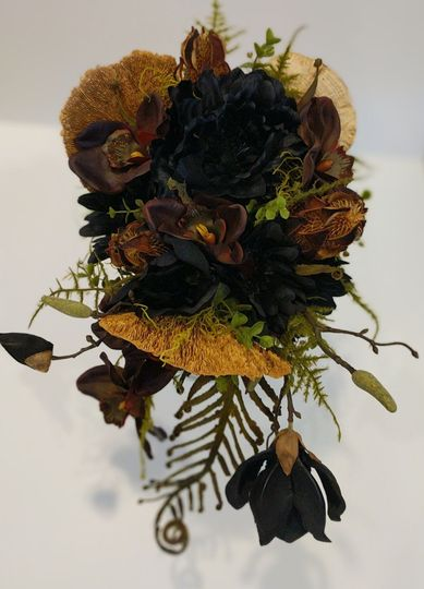 Dark silk bouquet