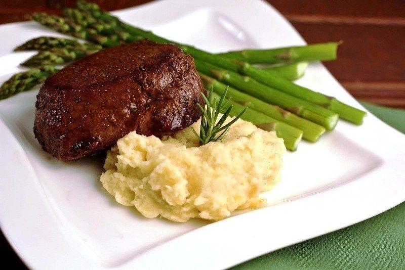 filet mignon mash asparagus