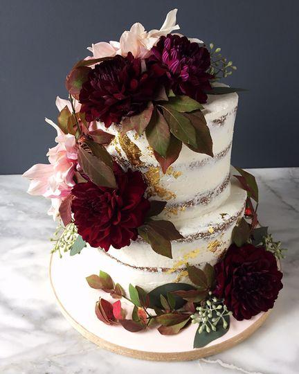 Red carnation cake
