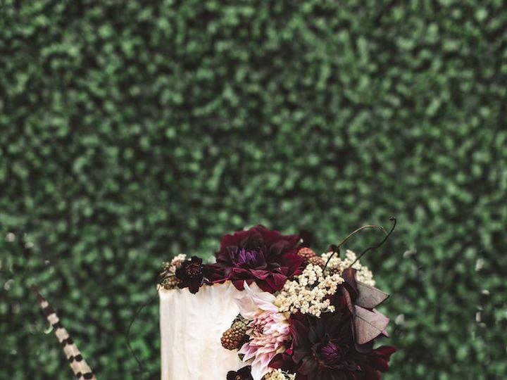 Tmx 1515344198 9b35e43dc44ac77d 1515344196 1608154ceea485be 1515344195289 6 Bond Girl Bride Gi Astoria, NY wedding cake