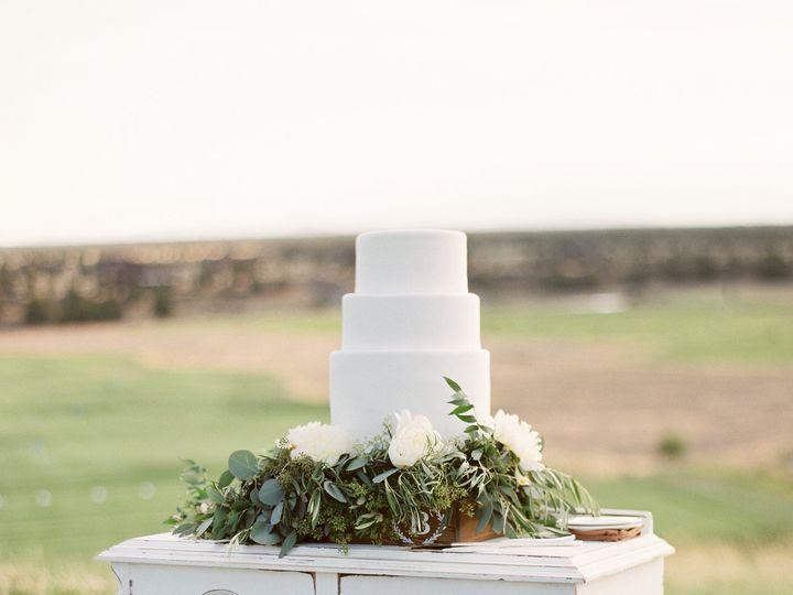 Tmx 1473388267455 Mtbachelorbuffetsmallcaketable Bend, OR wedding rental