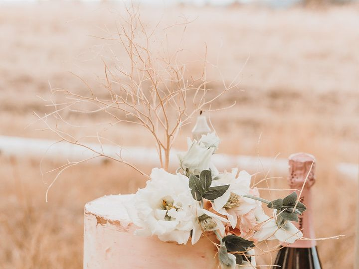 Tmx 1531275836 E9348a5b80ffd09d 1531275833 708cb6a3c73eab3f 1531275820955 4 DF0A2261 Bend, OR wedding rental