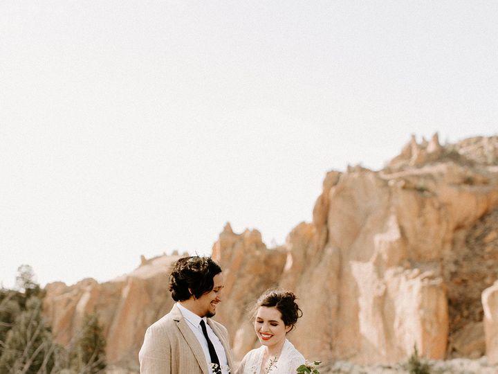 Tmx 1531277141 4253384237525e47 1531277140 D0e8f8ac5084b2ef 1531277139098 6 SmithRockOregonElo Bend, OR wedding rental