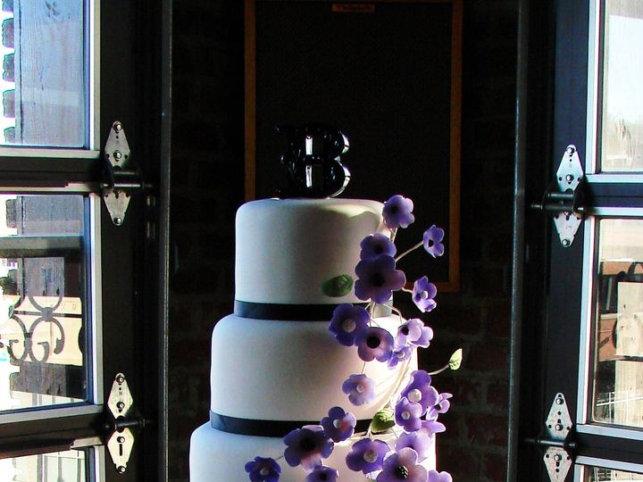 Tmx 1491184269534 Dan  Kaitlins Wedding Cake Dickinson wedding cake