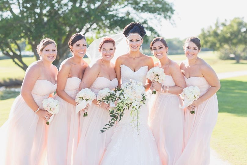 Eventful looks reviews ratings wedding beauty health for Used wedding dresses west palm beach