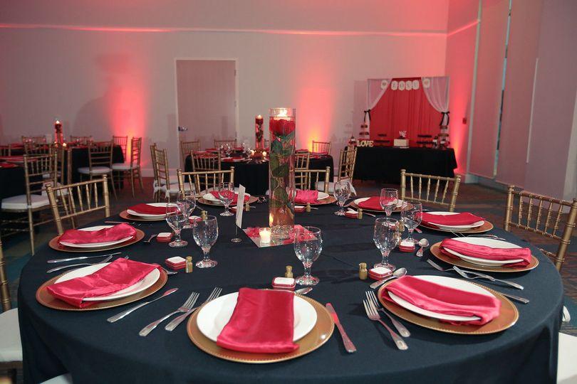 Table setting & lighting