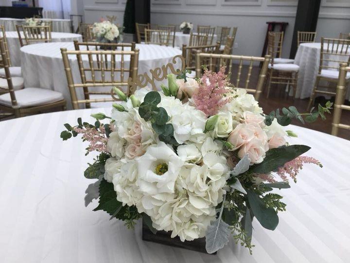 Rustic wedding flower decors