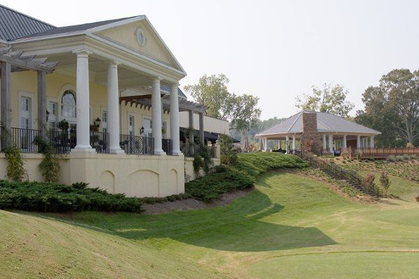 Exterior view of Cross Creek Country Club