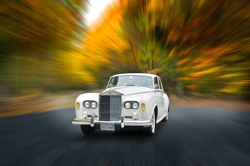 The classic 1964 Rolls Royce. As elegant as it luxurious. Now you can be aristocracy for an...
