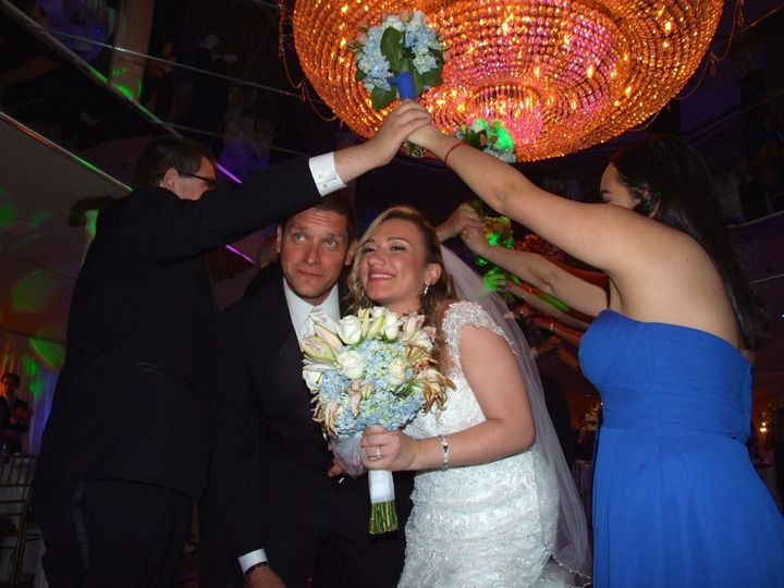 Tmx 1488388163089 1332943910900104777384087123700123661914845o Middle Island wedding dj