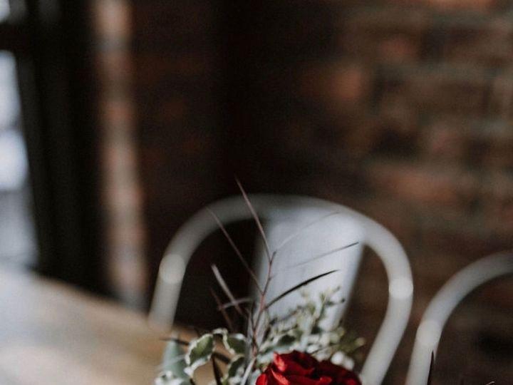 Tmx 1525271773 7214292c3523053a 1525271772 375c9dd28c97db72 1525271771883 2 JandNhightop Oakland, MI wedding florist