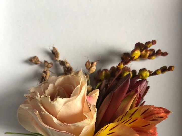 Tmx 1539104530 04f26c4fdd644d48 1539104528 734989d380d69f7e 1539104526431 1 IMG 5402 Oakland, MI wedding florist
