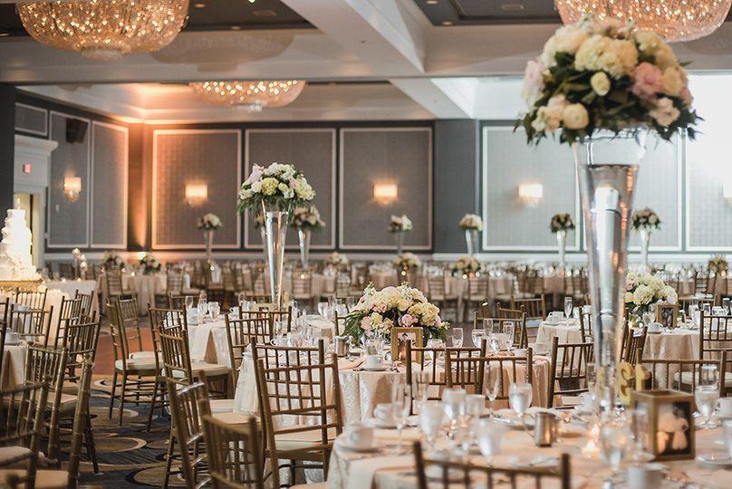 Just a great shot from wedding photographer Kari Dawson at the Dearborn Inn.