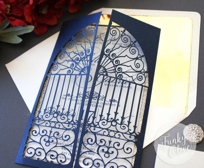 belle invitation closeup 2