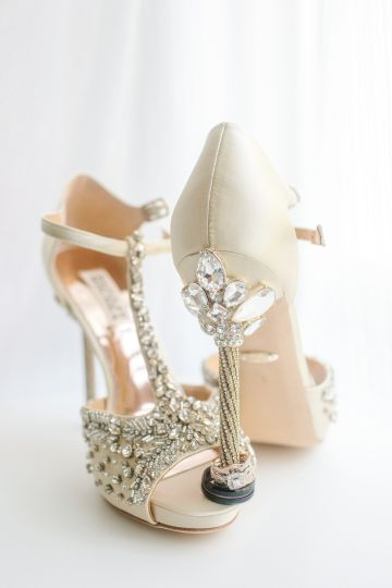 Sioux City wedding shoes rings
