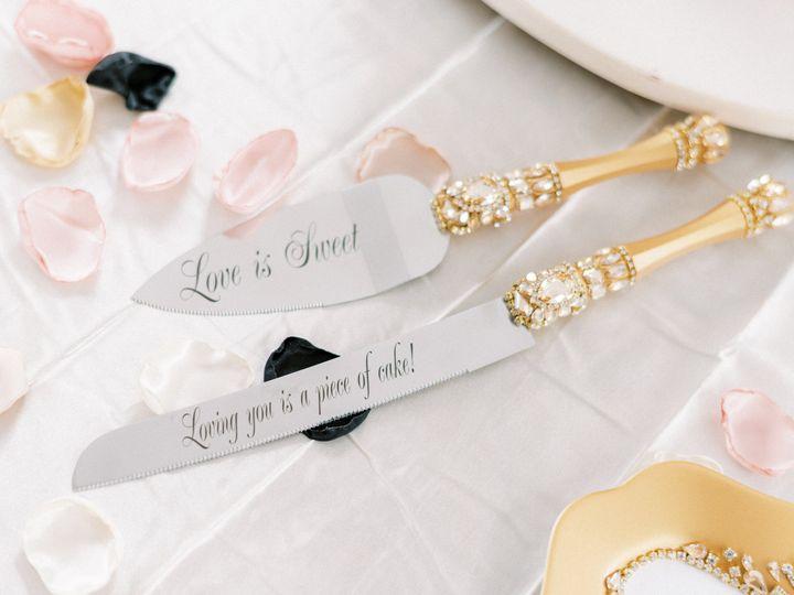 Tmx Love Is Sweet 51 1060101 160513743394020 Chambersburg, PA wedding planner