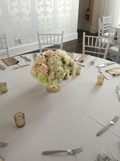 White round table setup