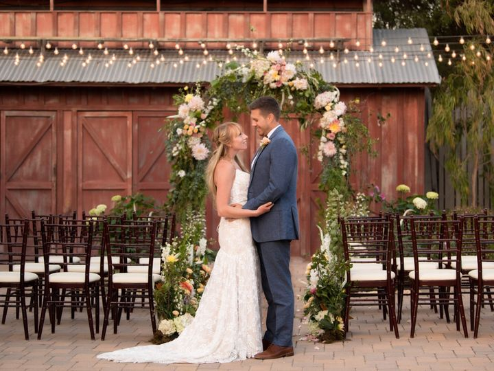 Tmx Cnf Flowerarch 51 113101 1565379947 Cambria, CA wedding venue