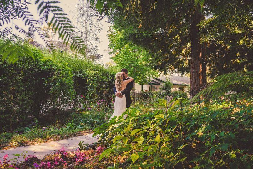 travis and sarah wedding teasers 0051 51 113101 1572305721