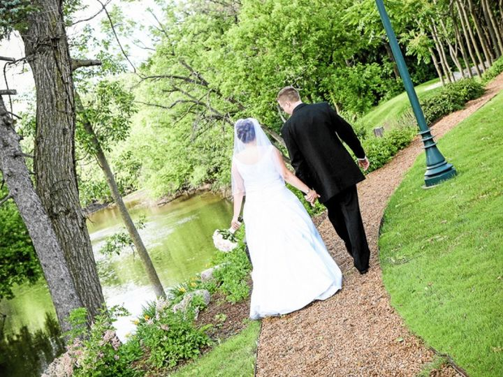 Tmx 1499371011226 Nbweddingcouplenature Northbrook, IL wedding venue