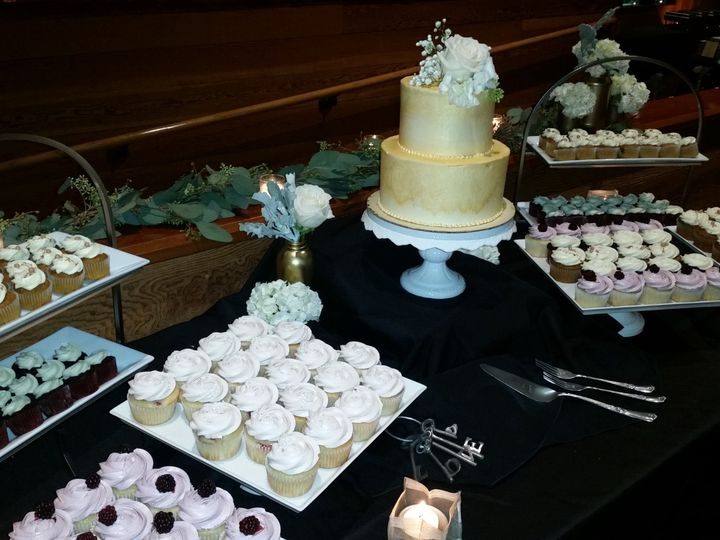 Tmx Wedding Cake Ceremonial Cupcakes Cheat A Little Catering 51 1044101 159267646073417 San Mateo, CA wedding catering