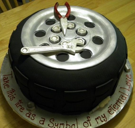 tiregroomscake2