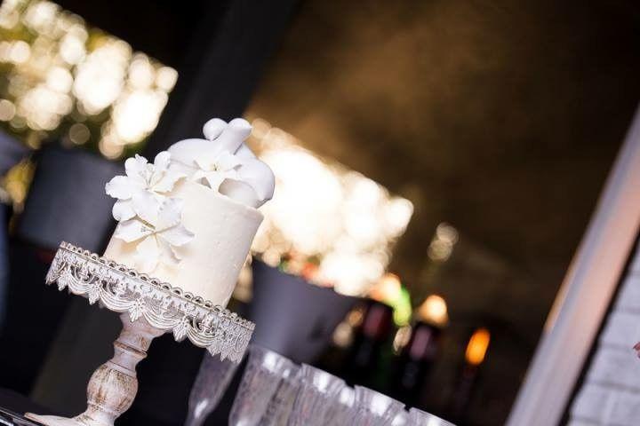 "6"" Round Wedding Cake"