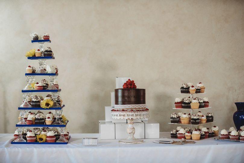 Wedding Cake & Cupcake
