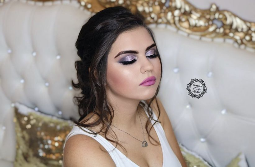 Makeup/Hairstyle