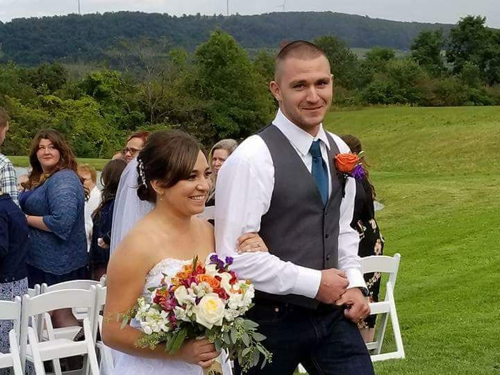 Tmx Fb Img 1505247678056 Copy Copy 51 1039101 Frankfort, NY wedding florist