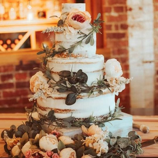 lindseys cake 51 2000201 161712149543395