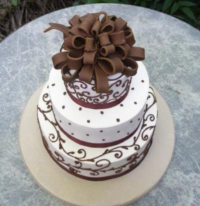 Sugar Bow Cake