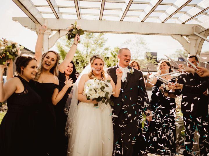 Tmx Bride Groom Confetti In Gazebo 51 31201 157868630416571 Wilmington, DE wedding venue