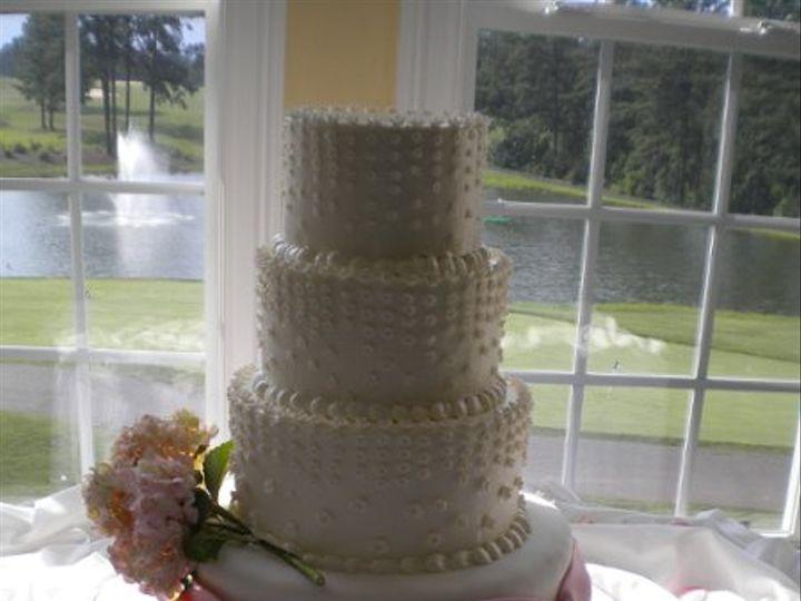 Tmx 1323106056189 DSCN0409 Pinehurst wedding cake