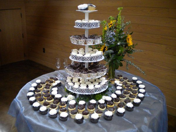 Tmx 1323106622096 DSCN2584 Pinehurst wedding cake