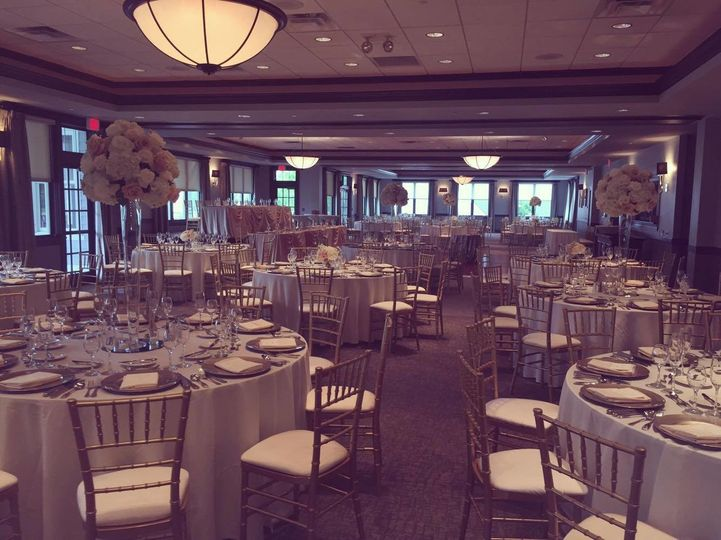 Cress Creek Country Club - Catering - Naperville, IL - WeddingWire