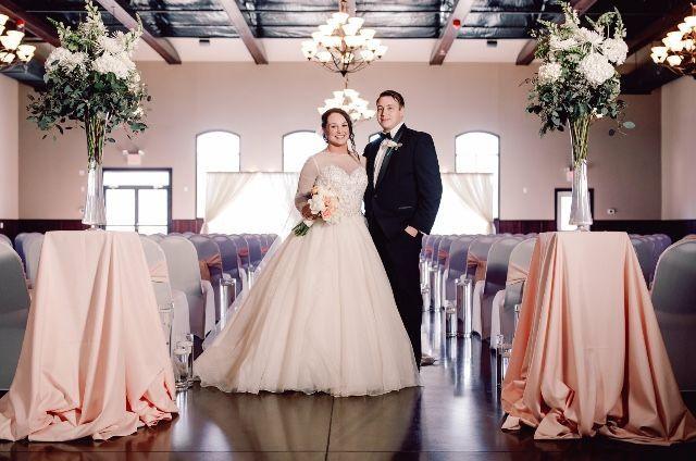 Tmx 1526073220 79074b0bfd07b6fe 1526073219 F2961c971c4f502f 1526073217607 1 IMG 4185 Coralville, IA wedding dress