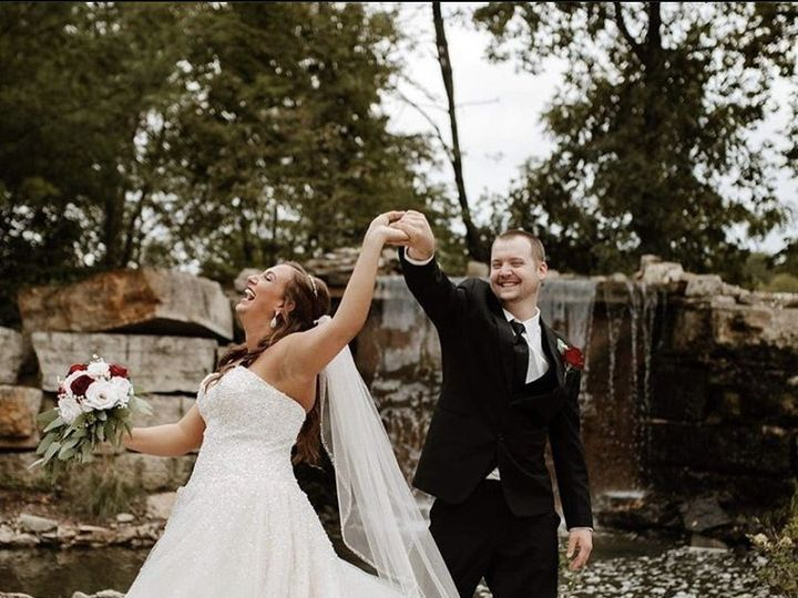 Tmx Couple Waterfall 51 734201 160702126389560 Coralville, IA wedding dress