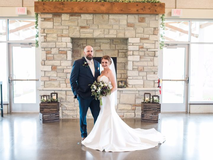Tmx Image1 51 734201 1567178828 Coralville, IA wedding dress