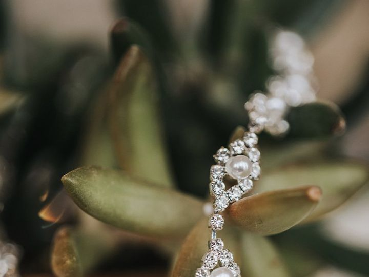Tmx Tbs Jewelry 51 734201 160702959978860 Coralville, IA wedding dress