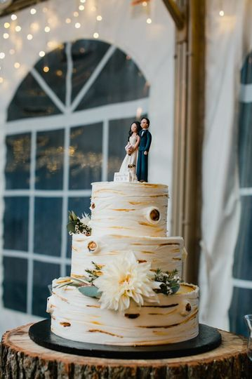 Naked wedding cake | Love Me Do Photography