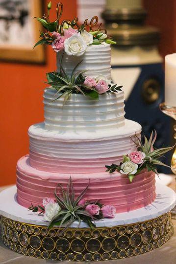 Pink base textured cake | Jennifer Childress Photography